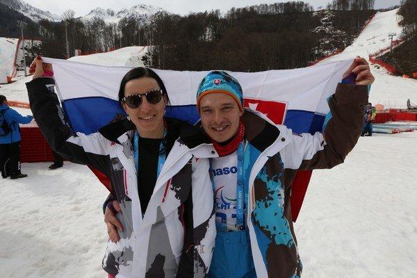 Zjazdoví lyžiari Miroslav Haraus a Henrieta Farkašová.