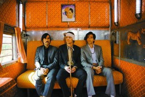 """K filmu Darjeeling Limited patrí aj dvanásťminútový """"kraťas"""" Hotel Chevalier. Celý je prístupný napríklad na stránke denníka El Mundo. Na snímke zľava Jason Schwartzman, Owen Wilson a Adrien Brody."""