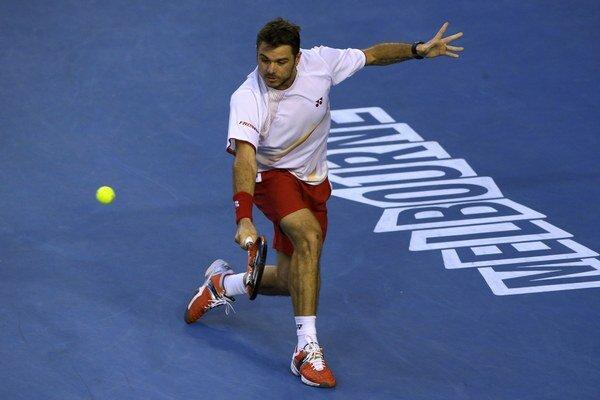 Stanislas Wawrinka vyhral s Tomášom Berdychom prvý set 6:3.