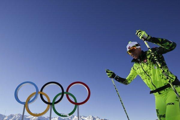 Slovenský bežec na lyžiach Martin Bajčičák počas tréningu pred začiatkom zimnej olympiády v Komplexe Laura, areáli pre beh na lyžiach a biatlon v ruskom mestečku Krasnaja Poľana 3. februára 2014.