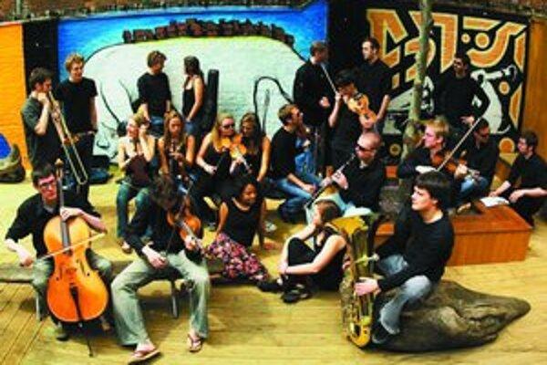 V The Heritage Orchestra si v piatok 8. júna spolu zahrajú britskí a slovenskí hudobníci.