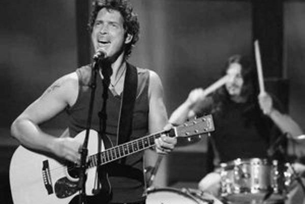 Novú pieseň k Bondovi naspieval Chris Cornell.