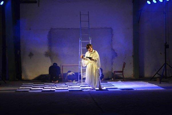 Nová hra pezinského amatérskeho divadla Balaclava.