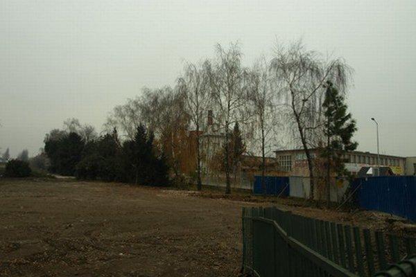 Kompletne vyčistený pozemok bude spoločnosť Sempol predávať už začiatkom nasledujúceho roka. Podľa územného plánu mesta Trnava ide o komerčno-podnikateľskú časť zameranú na mestotvorné podnikateľské aktivity a služby.