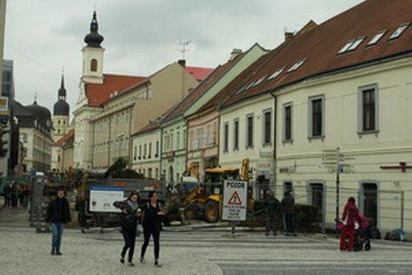 Kompletnú rekonštrukciu Hviezdoslavovej už rozbehli.