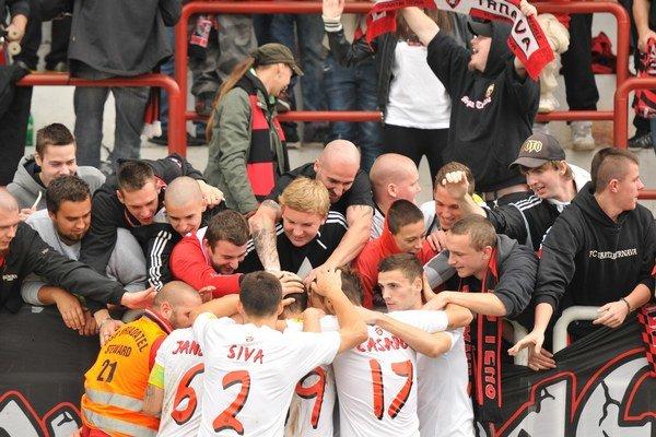 Spartakovci sa opäť spolu s fanúšikmi mohli tešiť z víťazstva.