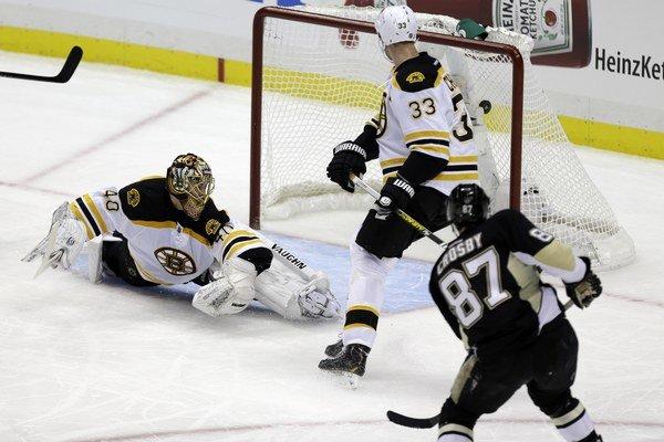 Pittsburgh nie je len Sidney Crosby, ale na kapitána tímu si bude musieť dávať Zdeno Chára a spol najviac pozor.