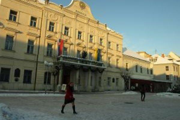 So zverejňovaním zápisníc z rokovaní komisií a mestskej rady majú v Trnave problém.