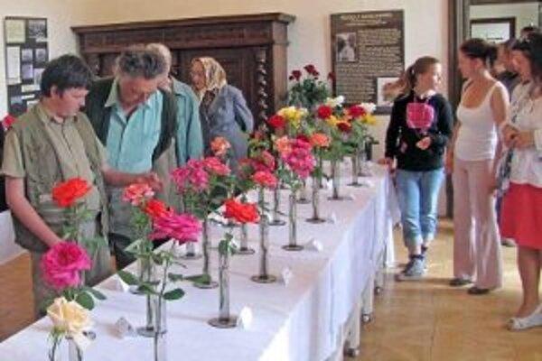 Na slávnosti sa zúčastní niekoľko vystavovateľov.