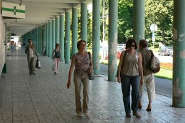 S rekonštrukciou kolonády pravdepodobne začnú na jeseň.