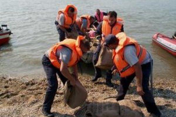 Príslušníci Komplexnej centrálnej záchrannej služby zasahovali doteraz v 17 obciach.