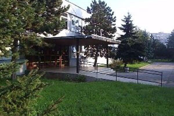 Základná škola na Ulici Andreja Kubinu dostane novú strechu.
