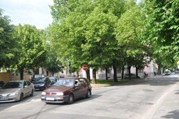Dopravná situácia na Námestí 1. mája je neprehľadná, mesto navrhuje zmeny.