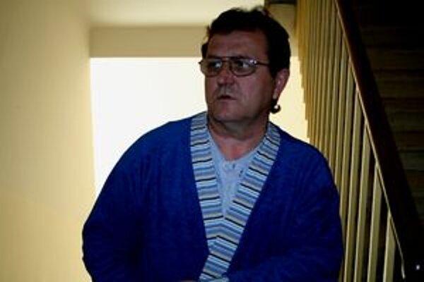 Viceprimátor Vrbového Ján Prievozník skončil s podozrením na otras mozgu v nemocnici.