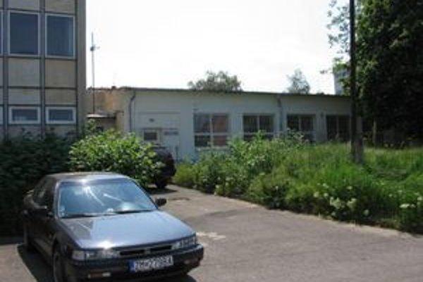 Spoločnosť Akatech GmbH firmu odkúpila, no zamestnancov neprebrala.