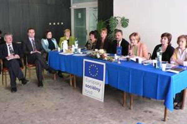 Starostovia diskutovali o pracovných príležitostiach pre obyvateľov obcí.