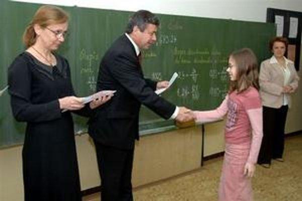 Namiesto vysvedčenia dostanú niektoré deti len výpis.