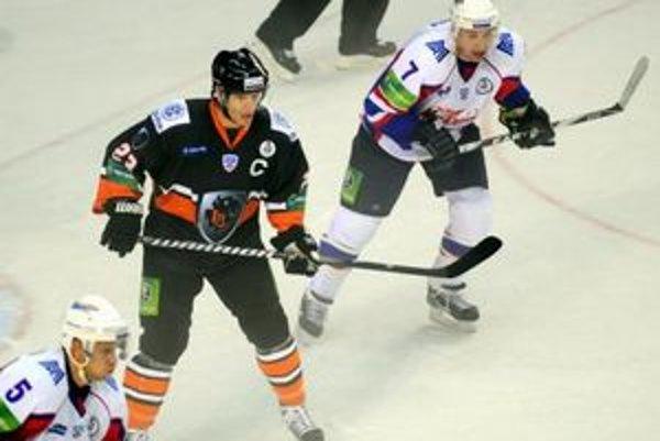 Dva góly Ľuboša Bartečka HC Lev v prvom zápase sezóny nestačili.