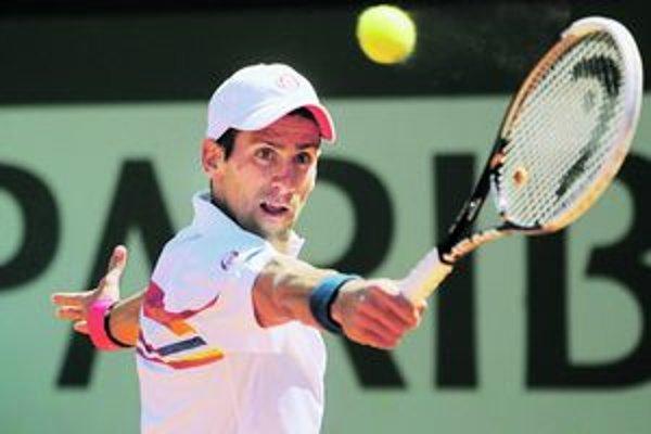 Novaka Djokoviča čaká v semifinále Roland Garros veľmi ťažká prekážka.