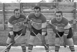 Útok majstrov sveta 1947,  zľava: Ladislav Troják, Vladimír Zábrodský, Stanislav Konopásek.