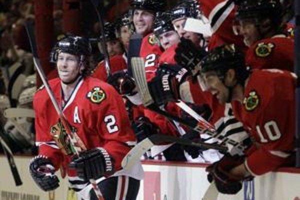 Hokejisti Chicaga prehrávajú v sérii s Vancouvrom 1:3.