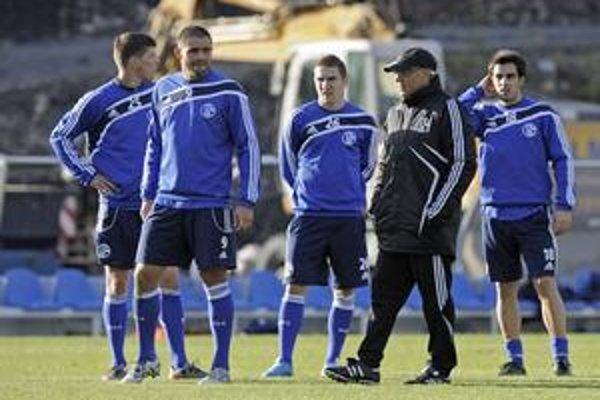 Erik Jendrišek (v strede) ešte so spoluhráčmi v Schalke.