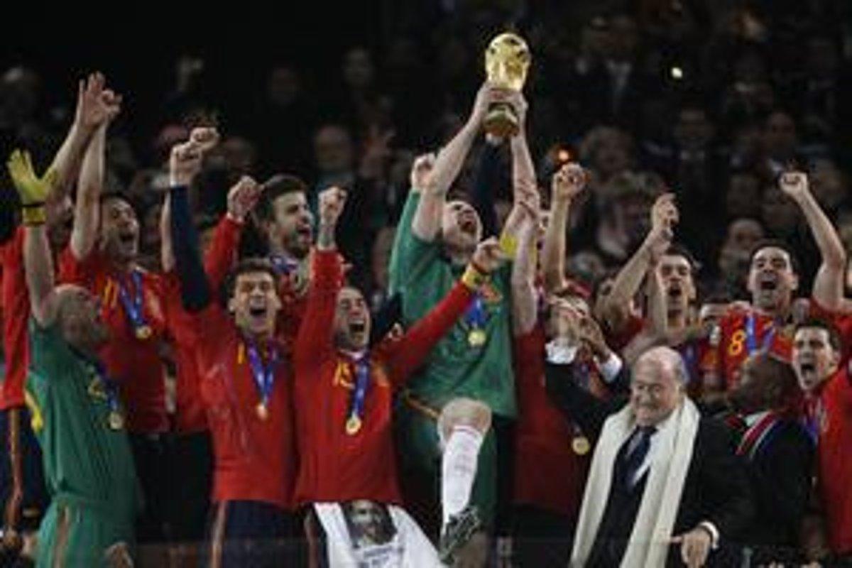 3965cfba9a808 Španieli sú majstri sveta vo futbale. V Afrike zdolali Holandsko 1:0 ...
