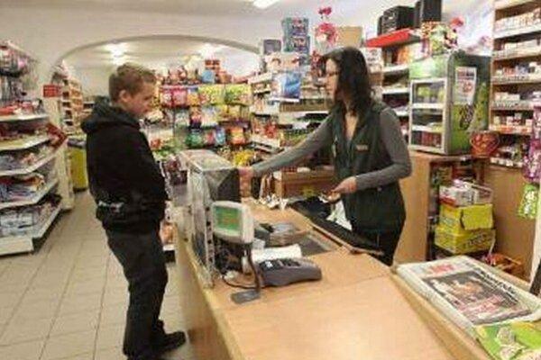 Menšie predajne často obmedzujú prevádzku