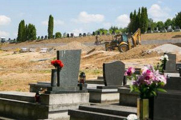 Cintorín rozšíria.