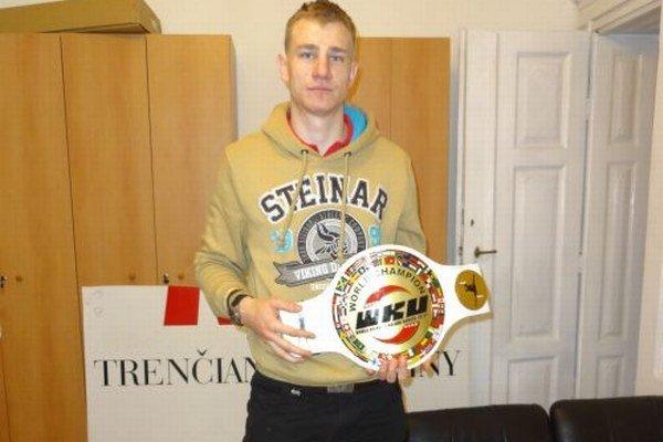 Martin Pacas v Poľsku vybojoval titul profesionálneho majstra sveta v kickboxe.