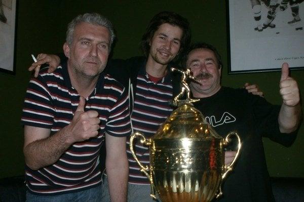 Víťazné družstvo v zložení: Peter Valigura, Tomáš Jablončík, Bohuš Valíček. Na fotke chýba Jozef Bulík.