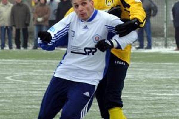 Ľubomír Luhový v žltom drese interu.