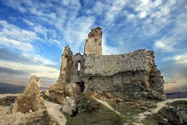 Výskum na hrade potrvá do konca novembra.