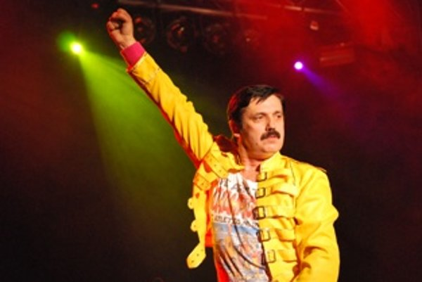 Peter Pačut sa stal slovenským Freddiem Mercurym.