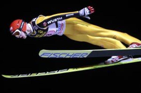 Fínsky skokan Janne Ahonen skončil na prvých pretekoch Turné štyroch mostíkov v Oberstdorfe druhý