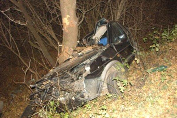 Pri nehode medzi obcami Dolná Breznica a Horná Breznica zomrel mladý muž