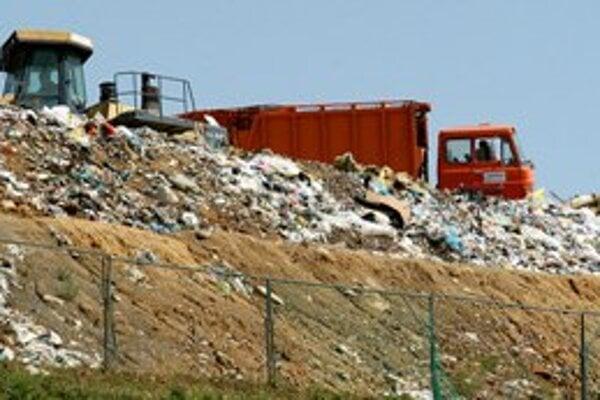 Ilustračné foto. Aj vyseparované odpadky končia často na spoločnej skládke.