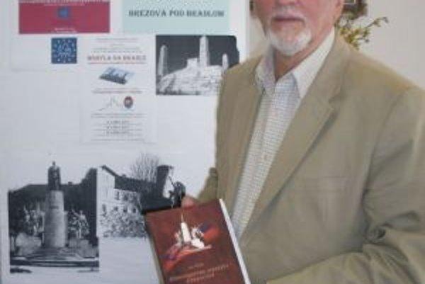 Literárny nadšenec Ivo Veliký bol autorom viacerých publikácií.