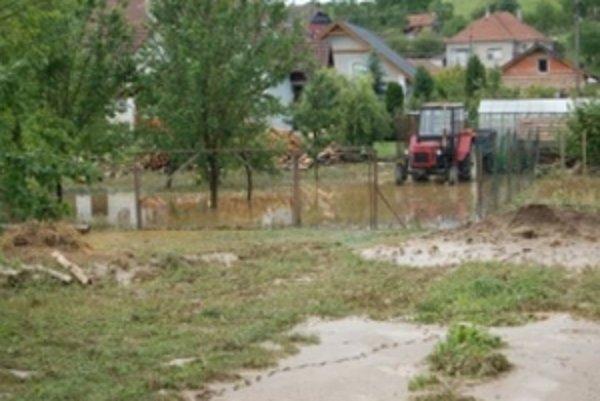 Vlaňajšie povodne na Myjave zasiahli domy, pivnice, garáže aj záhrady