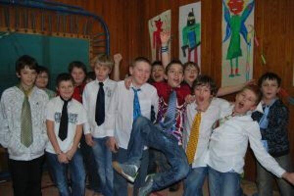 Novomestskí školáci súťažili o najlepší módny doplnok.