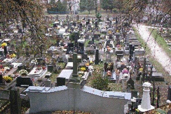 Cintoríny v Trenčíne budú mať nového správcu