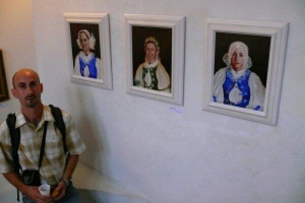 Viktor Vdoviak sa venuje maľovaniu myjavského folkóru.