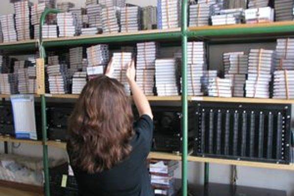 Zvukové knihy na kazetách sú k dispozícii na Hudobnom oddelení