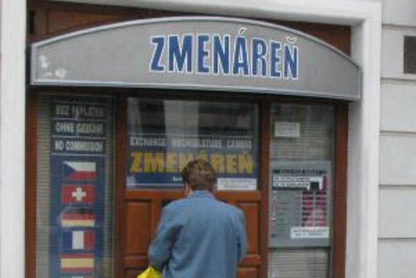 Obchod s menami nie je biznis pre turistov.Zmenárne sú orientované na Slovákov.