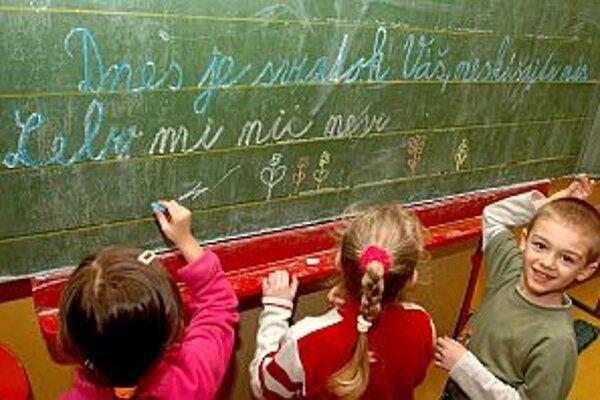 V Trenčíne majú deti na základných školách nové interaktívne tabule
