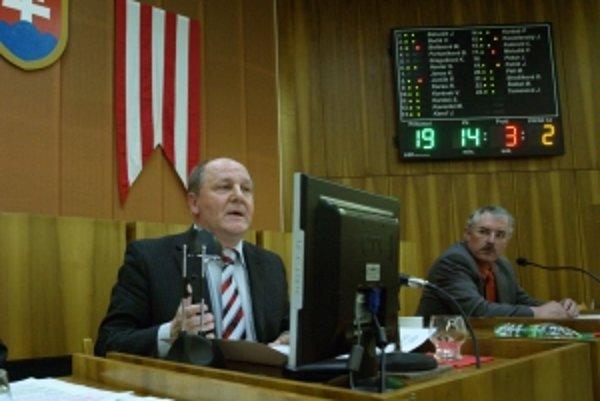 Primátor Považskej Bystrice Miroslav Adame (vľavo).