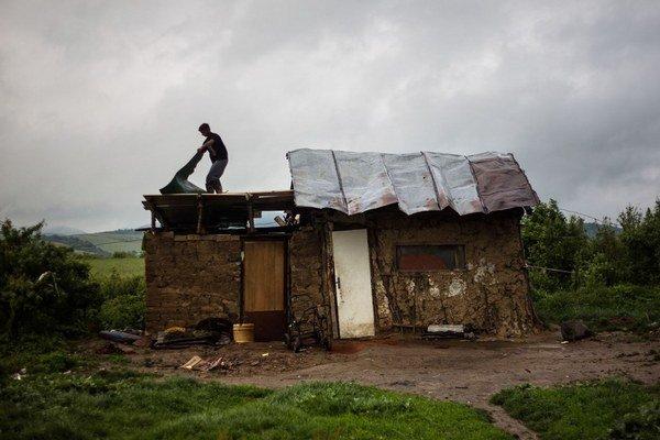 Život žien v osadách je tvrdý.