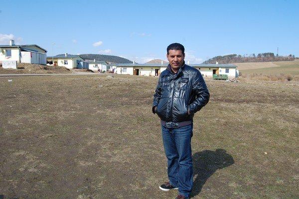 Marián Žiga žije v osade Strelník a pracuje tu ako asistent sociálnej práce.