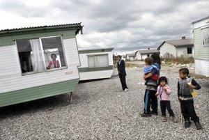 Vo Veľkej Ide nakúpili Rómom karavany