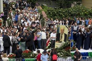 Pohreb samozvaného kráľa Florina Cioabu